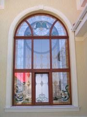 Столярус - виготовлення дерев'яних вікон з євробрусу та дверей.