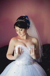 Платье свадебное пишное розшитое бисером и камнями